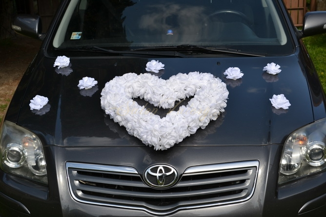 Srdce na auto biele
