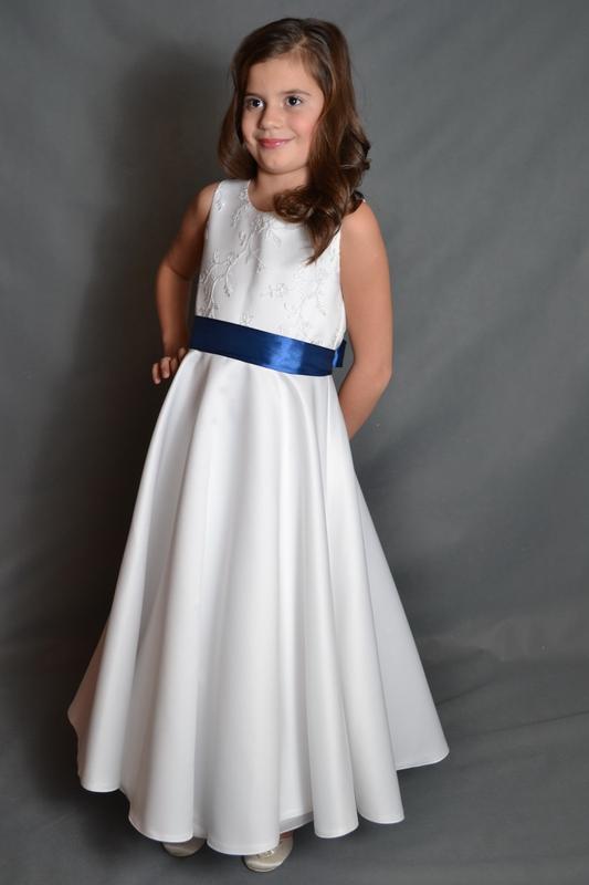 2dcf288d5175 Šaty pro družičku - MONIKA